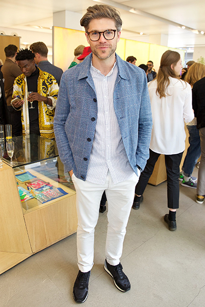 Darren Kennedy wears Kurt Geiger London 'Lamont'