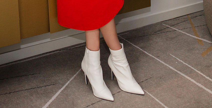 the chic way to wear white boots